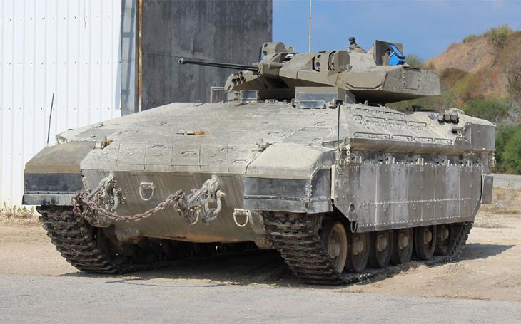 Obrněný transportér Namer (Leopard) kombinuje vlastnosti tanku Merkava a transportéru M113