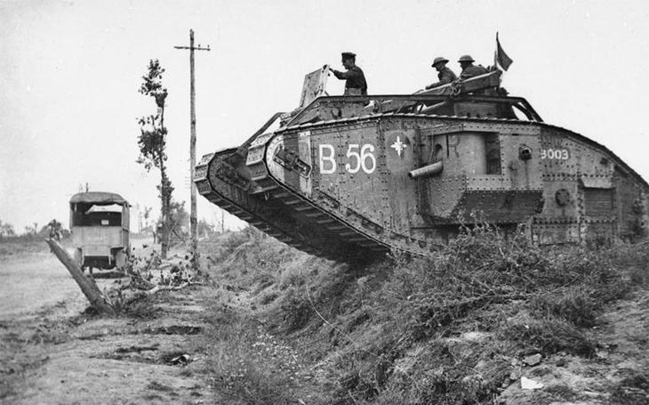 Černý den německé armády - masivní nasazení dělostřelectva, tanků a letectva u Amiens Němce zaskočilo