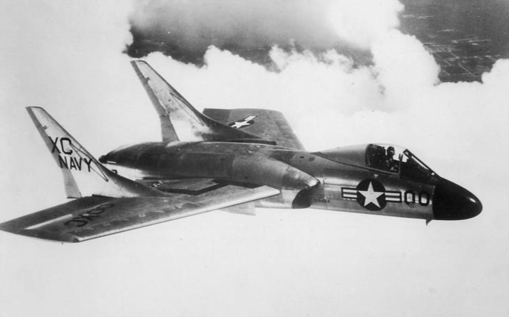Americká stíhačka Vought F7U Cutlass byla pro své piloty smrtelným nebezpečím