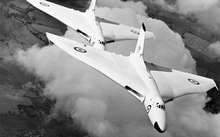 Perspektivu bombardérům britských nukleárních útočných sil zničil MiG-21