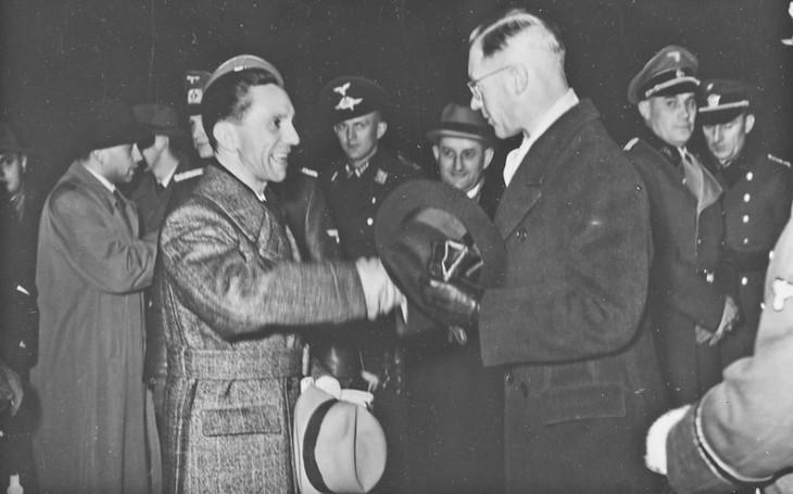 Pro Hitlera bych se dal i rozčtvrtit, napsal Joseph Goebbels. Démon s koňskou nohou se chtěl stát knězem, skončil u nacistů jako fanatický antisemita