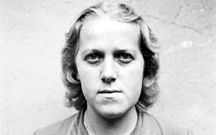 Temná strana zvítězila: Dvoumetrová Hitlerova sadistka Herta používala na vězeňkyně tyč