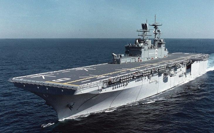 Americké námořnictvo bojuje s nedostatkem opravárenských kapacit pro své válečné lodě