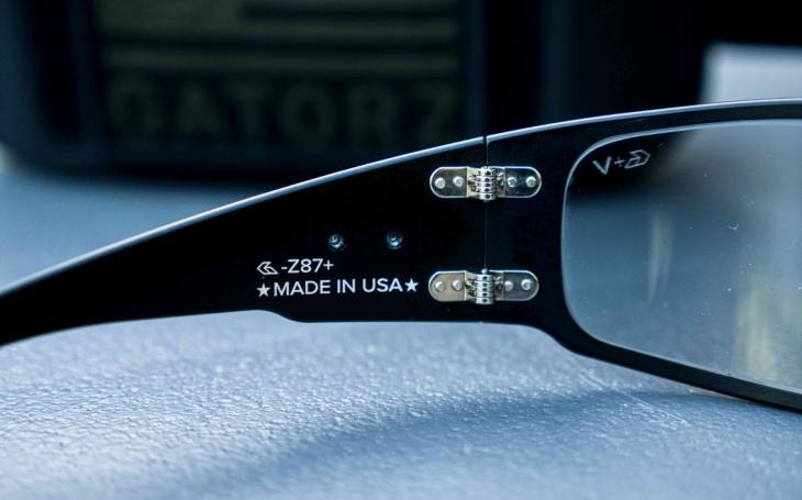 Mají smysl střelecké, či sluneční brýle vyrobené v USA? Video Tacticoolny
