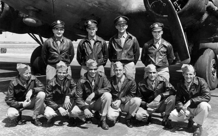 Jak si ,,užít&quote; válku. Americký mladík přežil 35 misí nad Evropou