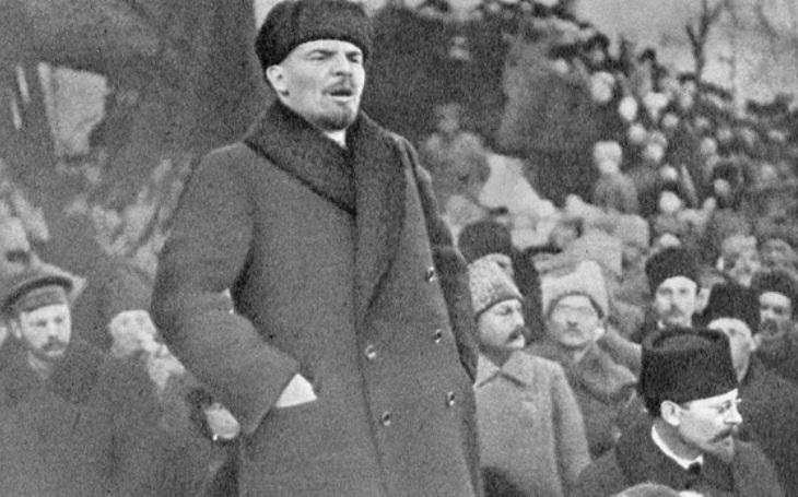 ,,Atentáty&quote; na Leninovo tělo. Posmrtnou pomstu měla zařídit střelba i palice