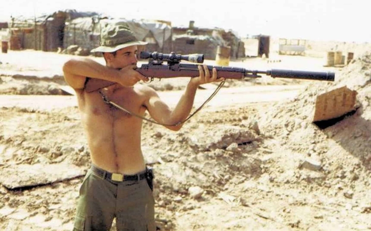 Bestiální členka Vietcongu kastrovala americké vojáky. Osudnou se jí stala kulka Carlose Hathcocka