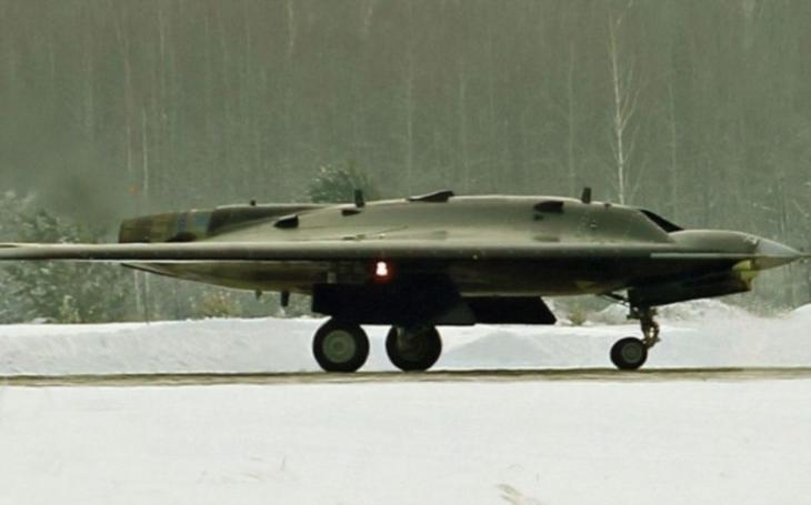 Ruský úderný dron nové generace jako ,,pozdní hit&quote;? Dodávka Ochotniku se očekává až v roce 2024
