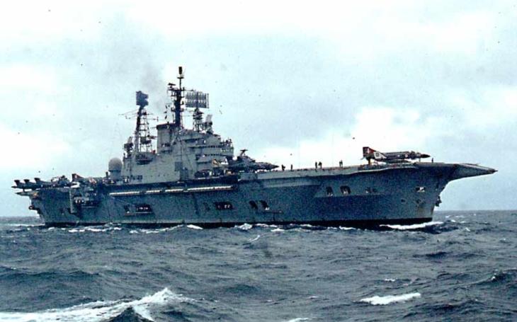 Šílený Ivan – srážka sovětského torpédoborce s britskou letadlovou lodí