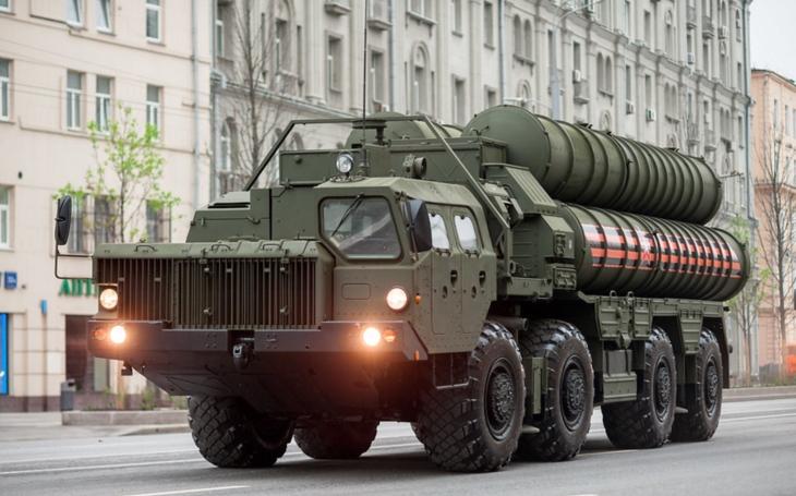 Turecko údajně vyzkoušelo ruský protivzdušný systém S-400 proti spojeneckému letounu. Američtí senátoři žádají vysvětlení, Pentagon zatím mlčí