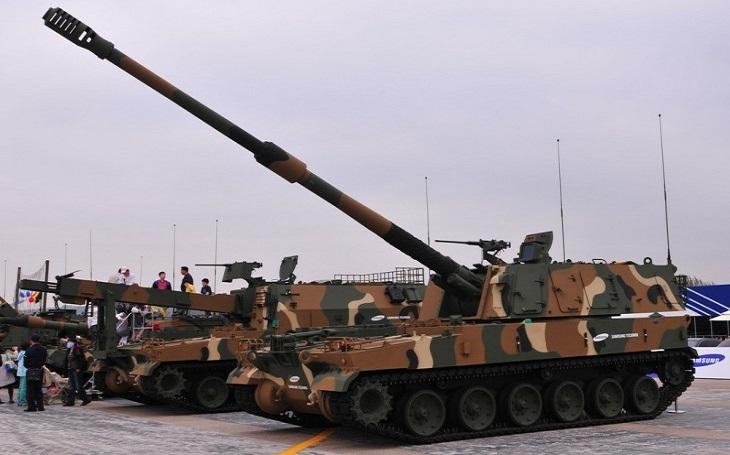 Estonsko dostalo první jihokorejské samohybné houfnice K9 Thunder
