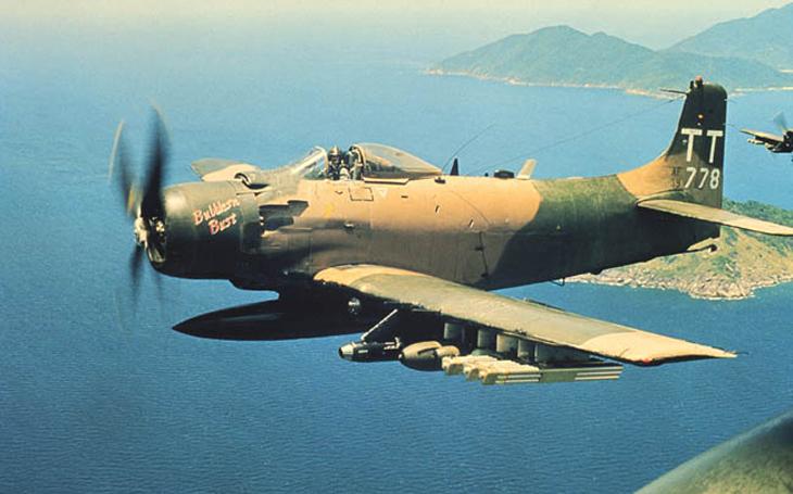 Než se z nebe ozvalo brrrt - A-1 Skyraider, nevlastní dědeček prasete A-10