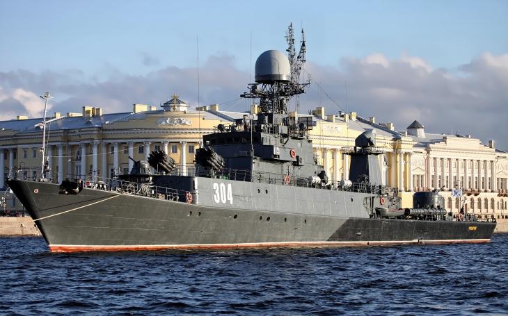 Co mohla nabídnout východoněmecká Volksmarine? Třeba korvety třídy Parchim. Dodnes slouží v ruském námořnictvu