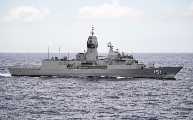 Fregata HMAS Arunta odchádza z Darwinu na nasadenie vo východnej Ázii