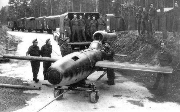 Jak němečtí kamikaze chtěli ,,terorizovat&quote; Rudou armádu. S myšlenkou sebevražedných pilotů přišel zachránce Mussoliniho