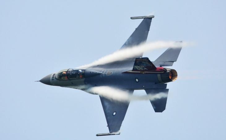 Tchajwanské F-16 porazily čínské Su-30 v manévrovém souboji
