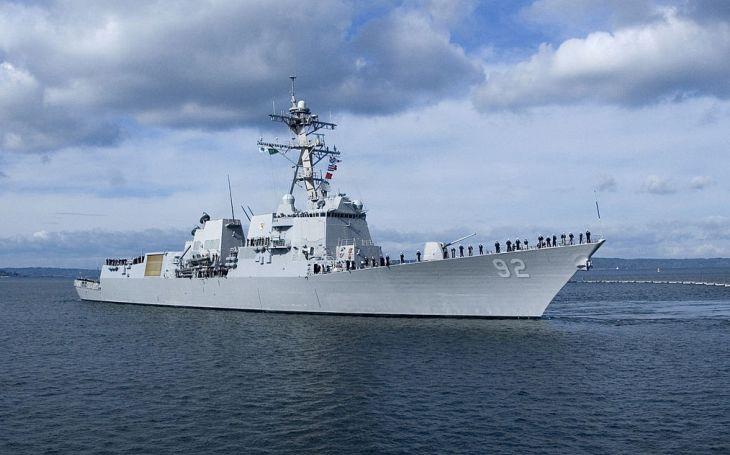 Všechny americké torpédoborce třídy Arleigh Burke osadíme hypersonickými raketami, prohlásil Trumpův poradce