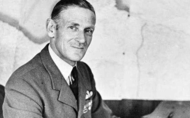 Keith Park: ,,Pan Nepostradatelný&quote; a jeden ze zachránců Velké Británie za války