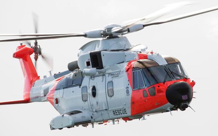 Těžké vrtulníky by byly efektivnější než lehké až při třetině operací Letecké služby Policie ČR
