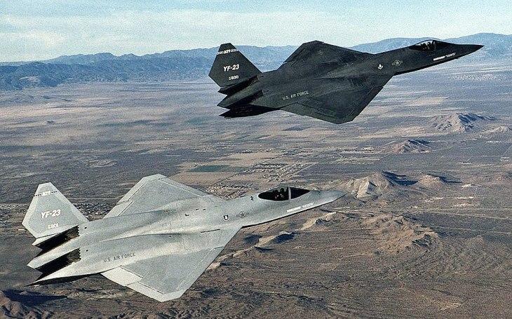 Prototyp YF-23: Měl ambici porazit Raptora, americké letectvo nakonec vsadilo na méně riskantní kartu
