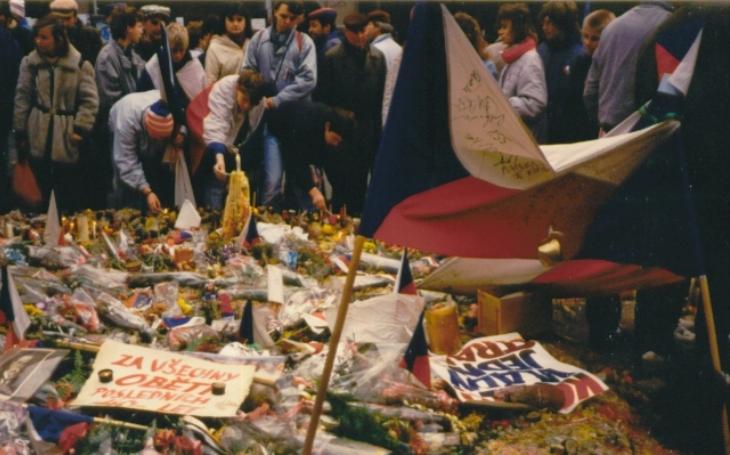 KOMENTÁŘ: Jakešovo vedení skončilo nakonec jako kůl v plotě. Socialismus v Československu vyčerpal své možnosti