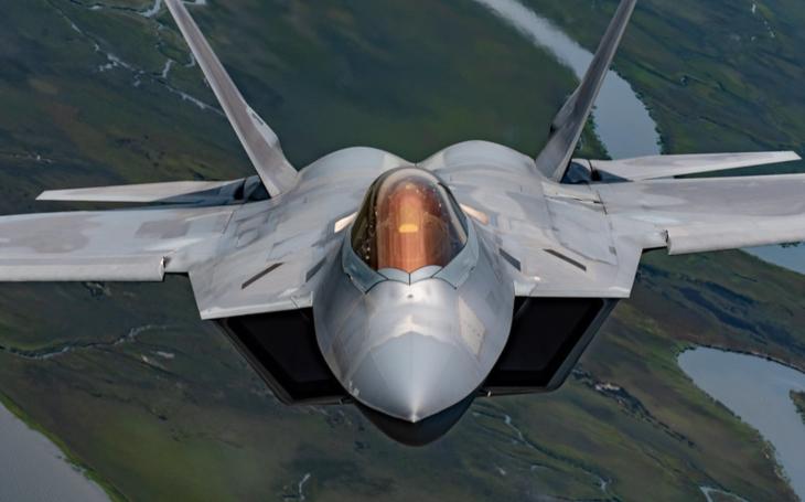 Čína říká, že dokáže sledovat americký stealth F-22 Raptor. Může to být pravda