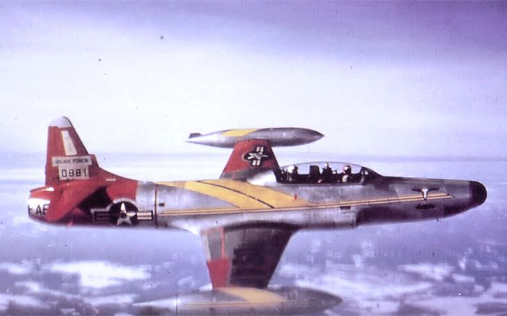 Pomalejší než obvykle: pilot Starfiru zamířil na muzeální Polikarpov a zřítil se