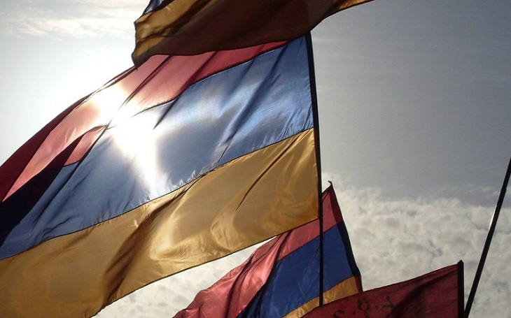 Arménie zabránila atentátu na premiéra a státnímu převratu. Může v zemi vypuknout občanská válka?