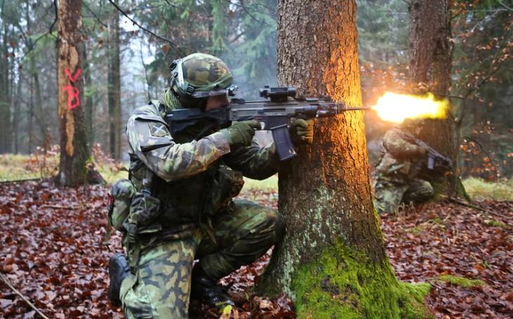 Ohlédnutí za střetnutím u Jílkové: Komunista kritizoval výdaje na bezpečnost. Armáda nemůže být obětí této pandemie, varuje poslankyně Černochová