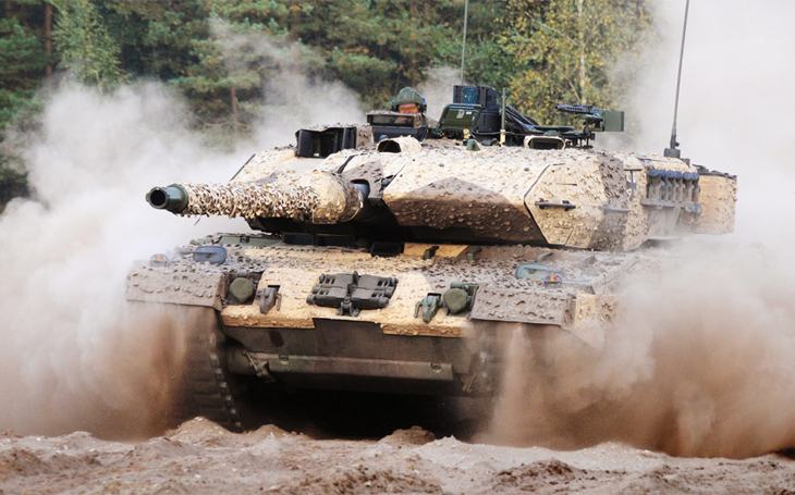 Také britská armáda stojí před rozhodnutím o budoucnosti svých tankových jednotek - i zde je nejlepším řešením Leopard 2