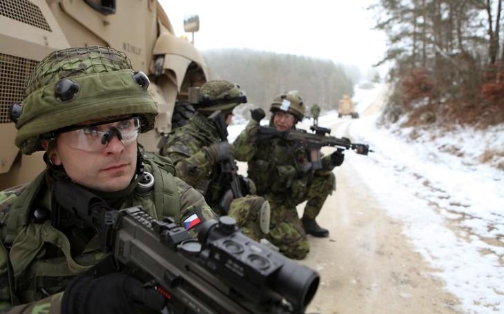 Babiš na velitelském shromáždění AČR: Bez armády bychom pandemii nezvládli. Odmítá škrty, které navrhuje KSČM