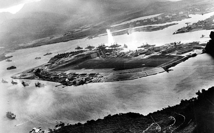 Jak si Američané cvičně ,,napadli&quote; Pearl Harbor devět let před Japonci. Kontradmirálovo varování nikdo nebral vážně