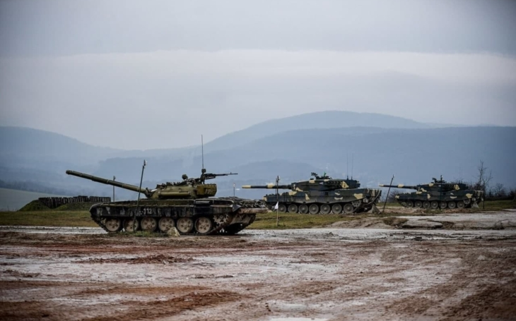 Maďarští tankisté už cvičí na tancích Leopard 2 - my si na ně ještě počkáme