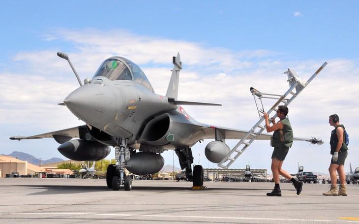 Jaké stíhací letouny pro Indonésii? Nejnověji na stole leží francouzská nabídka