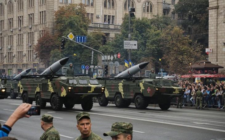 9K79 Točka - Rakety sovětského mobilního zbraňového komplexu zabily na tržišti skoro 150 lidí. Systém si našel cestu i do československé armády