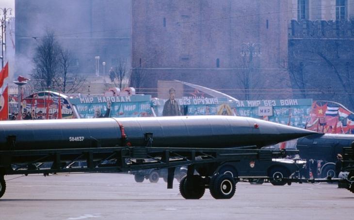 Jak SSSR děsil USA neexistujícími raketami – dělá dnešní Rusko totéž? A existují zázračné rakety prezidenta Putina?
