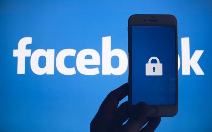 FTC: přistřihněte křídla Facebooku