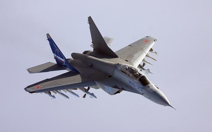 Indie mezi Východem a Západem. Má zájem o letouny MiG-35, možná ji nakonec posílí americký F-21 a Super Hornety