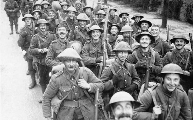 """Britské """"pluky kamarádů"""" byly masakrovány na bojištích Velké války"""