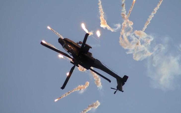 Další vrtulníky Apache mají namířeno do Kuvajtu. USA schválily jejich potenciální prodej