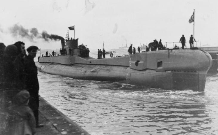 Sovětští admirálové a sobi pro posádky britských válečných lodí