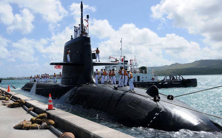 Nepovedené vynoření v Pacifiku. Japonská ponorka se srazila s nákladním plavidlem. Hlášeni jsou tři zranění