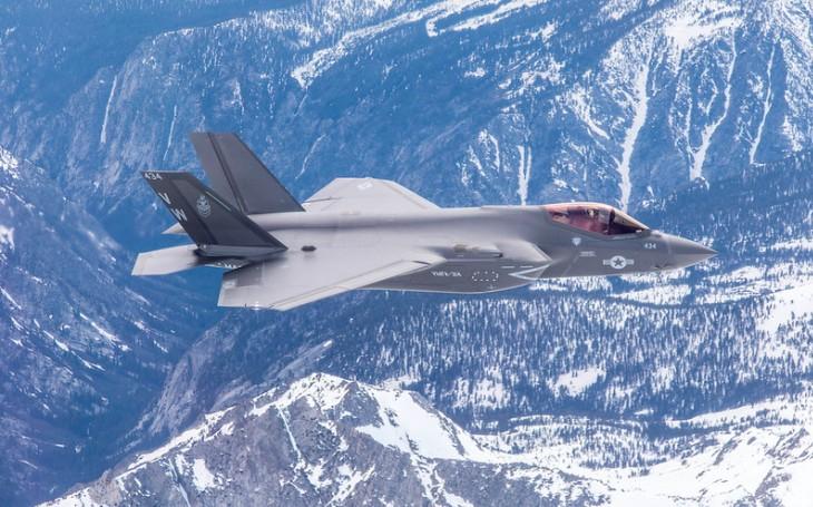 Letouny F-35 hlásí další problém: Nedostatek motorů. Až 20% stíhačů bez nich, říká černý scénář