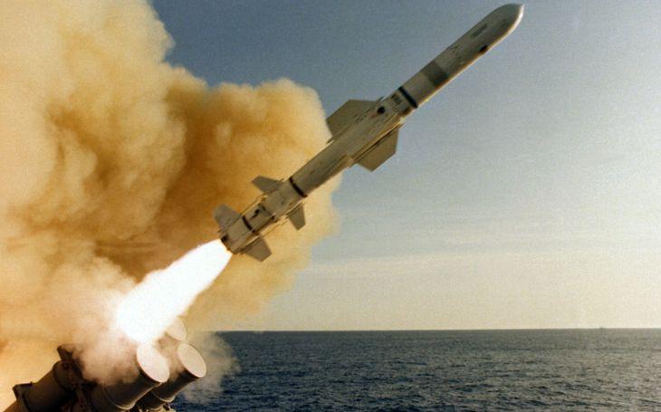 VIDEO: Jsou zpět. US Navy osazuje po 24 letech své ponorky protilodní střelou Harpoon