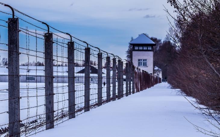 Napomáhala zabití 10 tisíc lidí. Nacistická sekretářka se bude v 95 letech zpovídat u soudu pro nezletilé