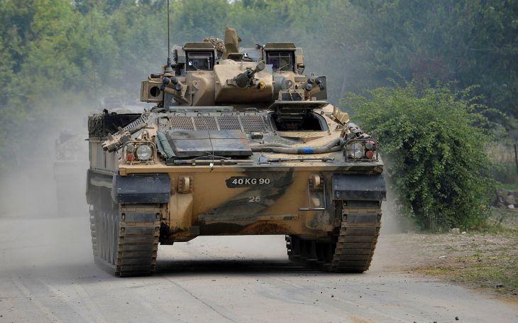Nad modernizací britských bojových vozidel pěchoty Warrior se vznáší otazníky. Hrozí, že celý proces bude omezen kvůli škrtům