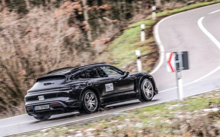 VIDEO: Představuje se nové Porsche Taycan Cross Turismo