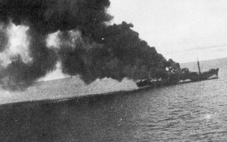Ohněm a železem v Bismarckově moři - vojensky nezbytné zabíjení bezbranných trosečníků