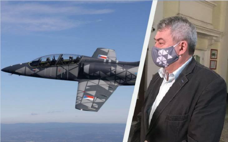 Komunista Filip, lobbing a vazby na Rusko: Přednostní platby za nákup, který vláda zamítla. Projektu L-39NG tím uškodil