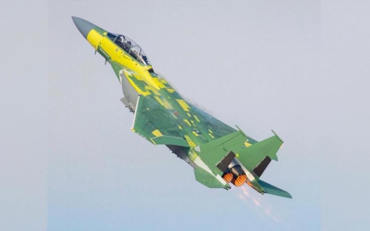 Su-57 vs. F-15EX: Ruský stíhač je pomalejší a hůře vyzbrojený